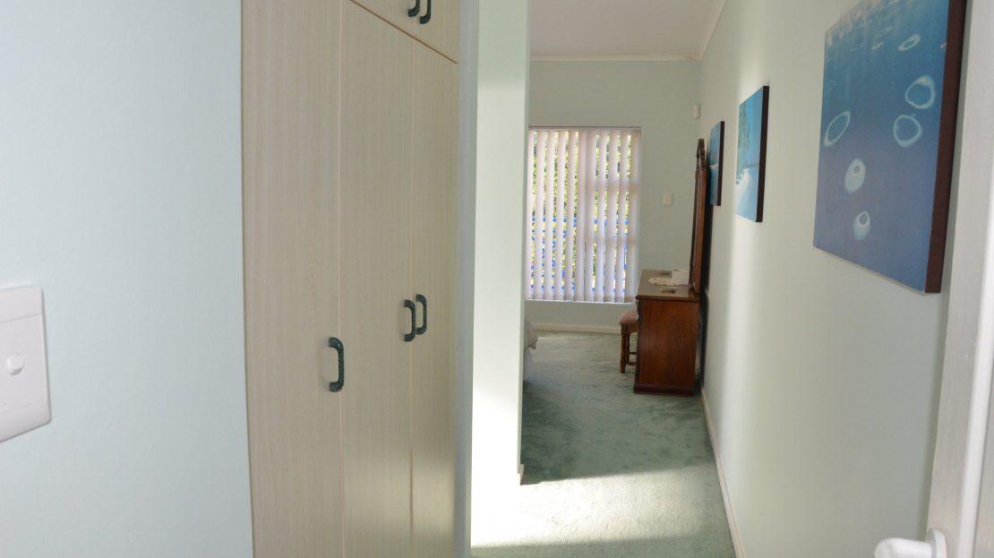 4 Bedroom Blue Horizon Bay House Built in Cupboards