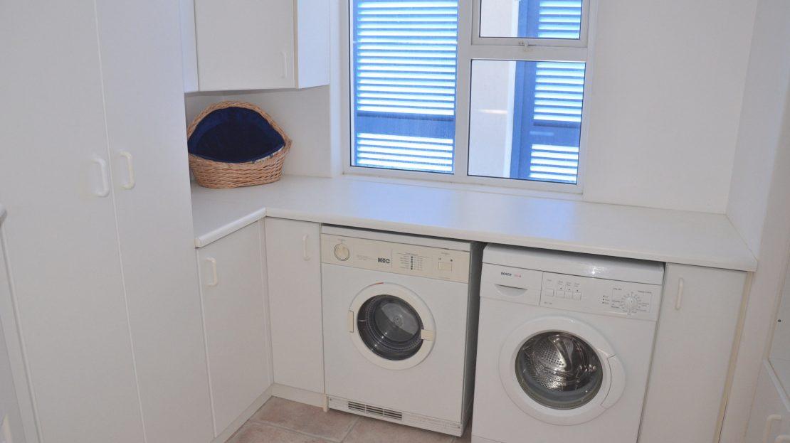4 Bedroom Blue Horizon Bay House Laundry