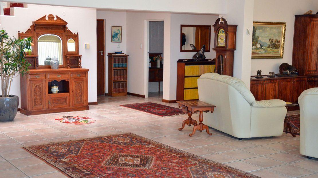 4 Bedroom Blue Horizon Bay House Lounge Entrance