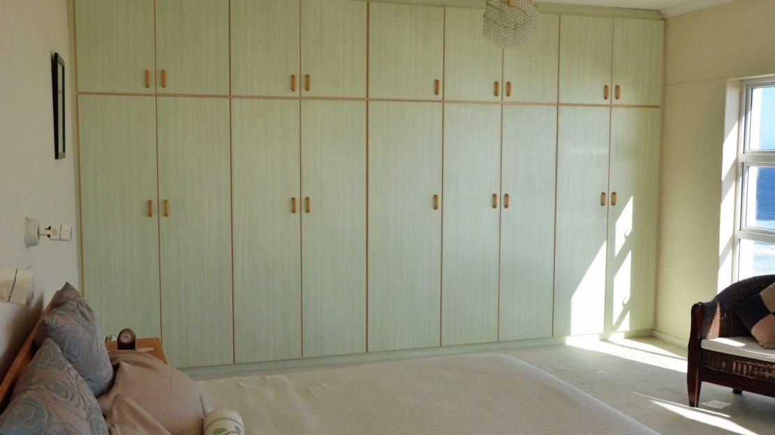 4 Bedroom Blue Horizon Bay House Master Bedroom Built in Cupboards