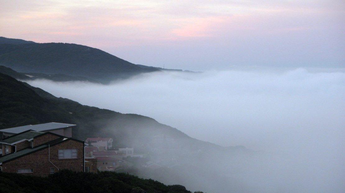 4 Bedroom Blue Horizon Bay House Misty Morning