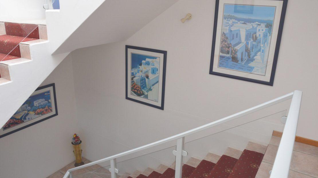 4 Bedroom Blue Horizon Bay House Staircase