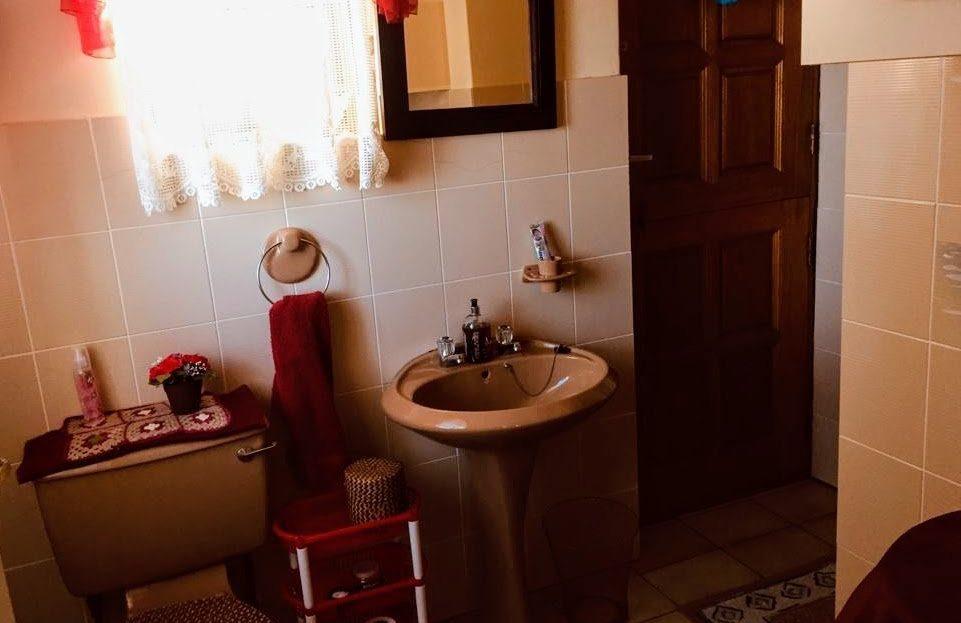 3 Bedroom Hyacinth Road House Bathroom Space