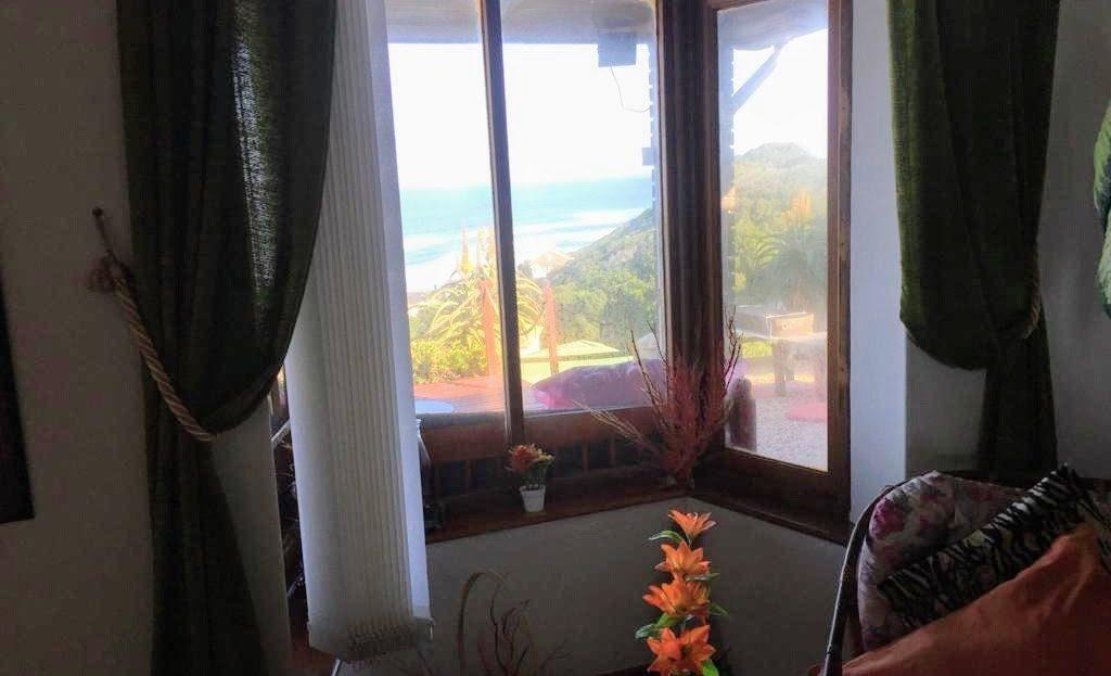 3 Bedroom Hyacinth Road House Lounge Views